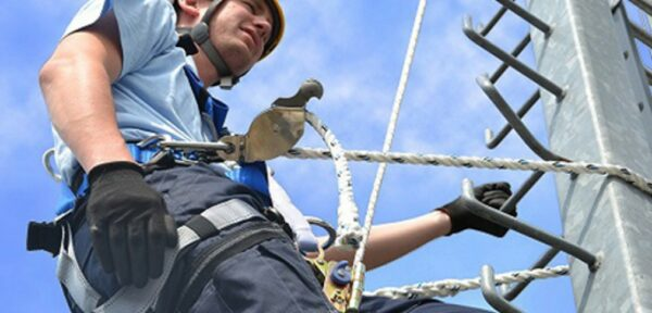 Choose the correct number of attachment points for your harness