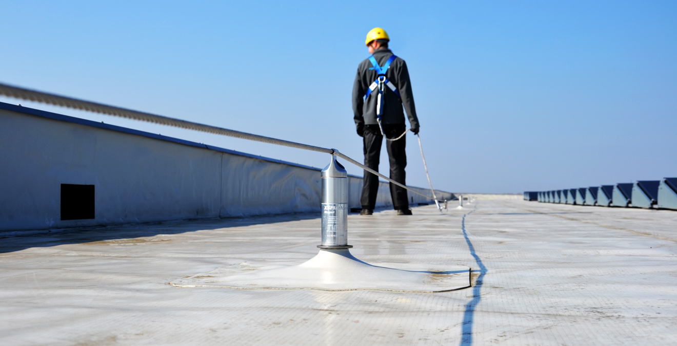 573 Meters Of Lifeline For Gutter Maintenance