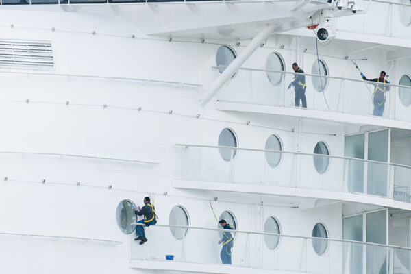 Fall protection on world's largest cruise ship