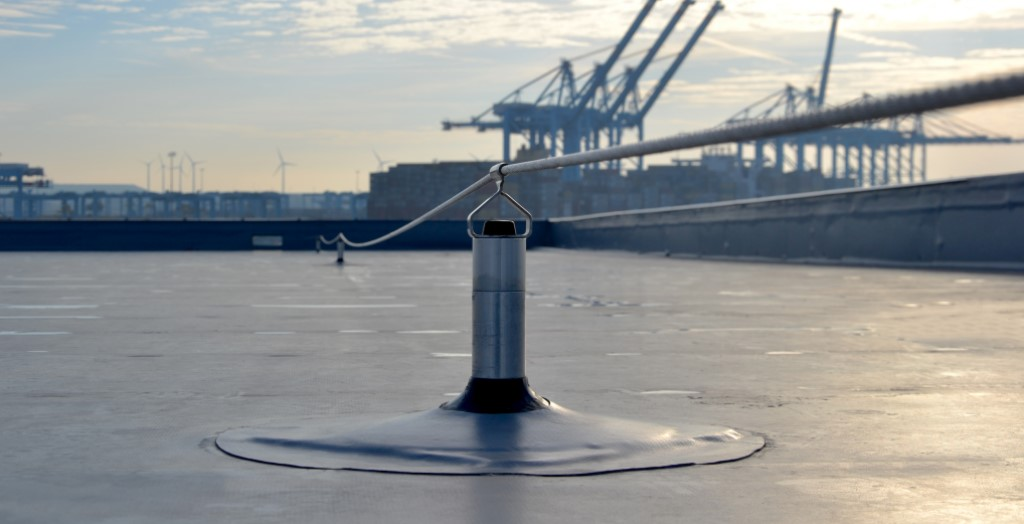 Over 1000m Of Lifeline For Offshore Company Reference