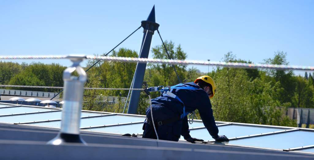 Horizontal lifeline system on college in Gorinchem