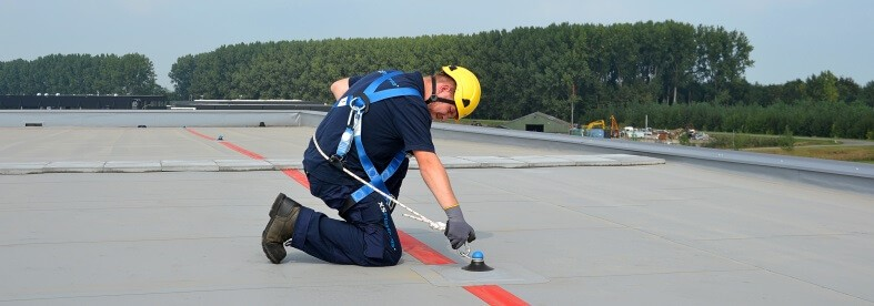 Using a single anchor point for fall protection