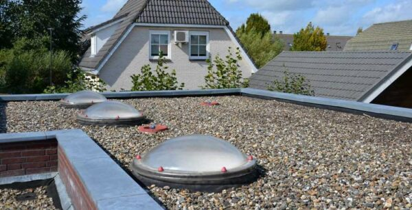 Anchor points on roof with skylights