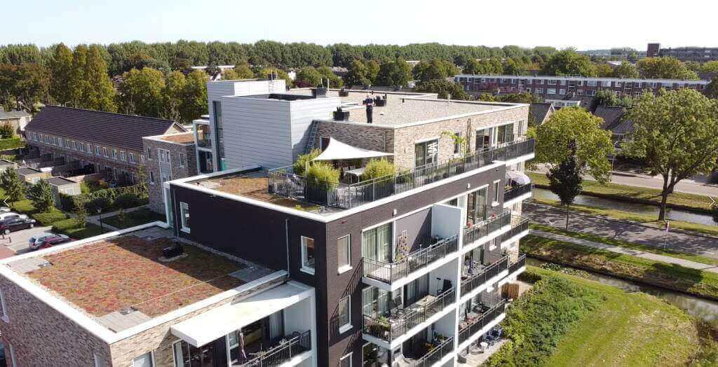 Fall protection on green roofs